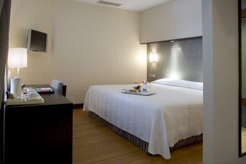 Hotel NH Puerta de Alcalá 02
